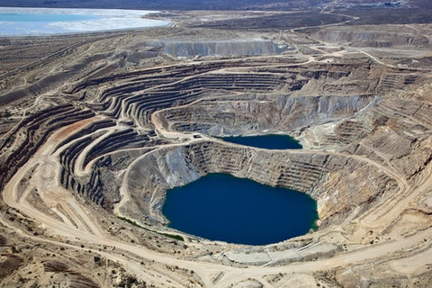 mine, copper, arizona, metals, ponds, aerial, vast, tailings, rock, concentric lines, process, deposits, minerals, porphyry, elevated, over, dump, ore, dirt, benches, above, open pit, huge, desert, molybdenum, large, geology, acidic