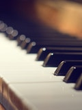 11 Beautiful Modern Piano Songs to Learn