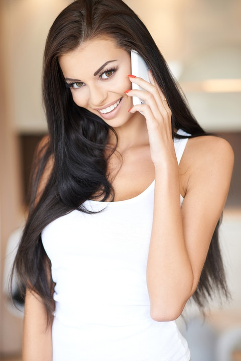 talking, apartment, adult, one, black, female, technology, cute, smile, healthy, young, girl, mobile, sensual, woman, interior, adorable, long, beauty, home, hair, 11 Sexiest Accents in the World