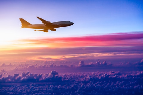 flight, sunset, plane, sky, travel, jet, jumbo, trip, fly, business, air, sunlight, cruise, clear, corporate, sunrise, red, atmosphere, yellow, horizon, airliner, turbine, commercial,