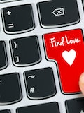 6 Dating Sites for Introverts to Find Partners