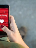6 Dating Apps Like Tinder That Don't Require Facebook