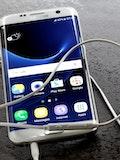 6 Best Smartphones with AMOLED Display