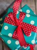 10 Sentimental Graduation Gifts for Daughter
