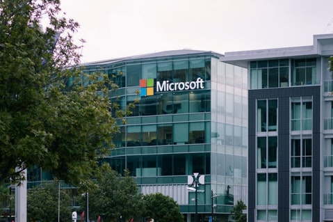 Hedge Funds are Selling Microsoft and Buying These 10 Tech Stocks Instead