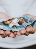 10 Best Money Saving Tips According to Experts